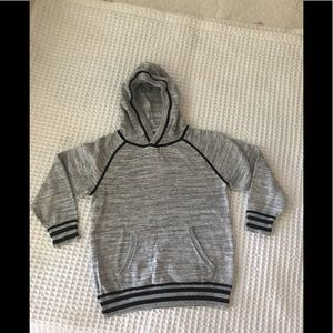 H&M boys gray toddlers sweater size 4-6Y